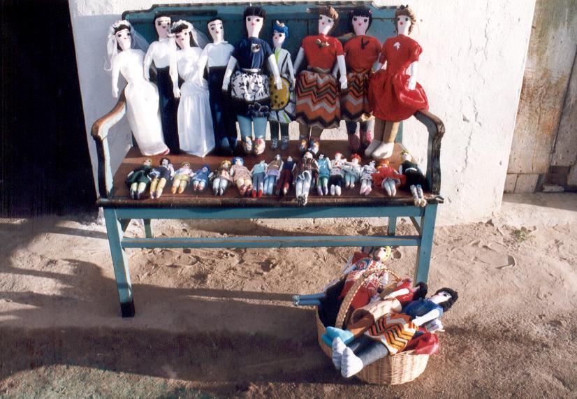 bonecas.JPG